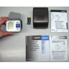 Тонометр автоматический на запястье Omron R3 Intellisense